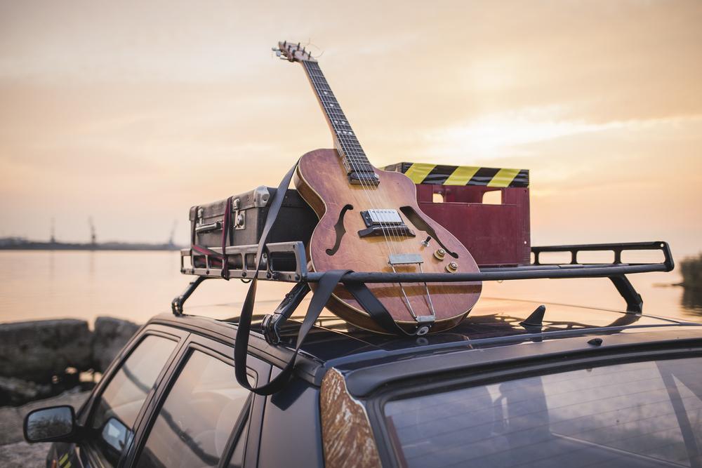 sh_roadtrip_music_car